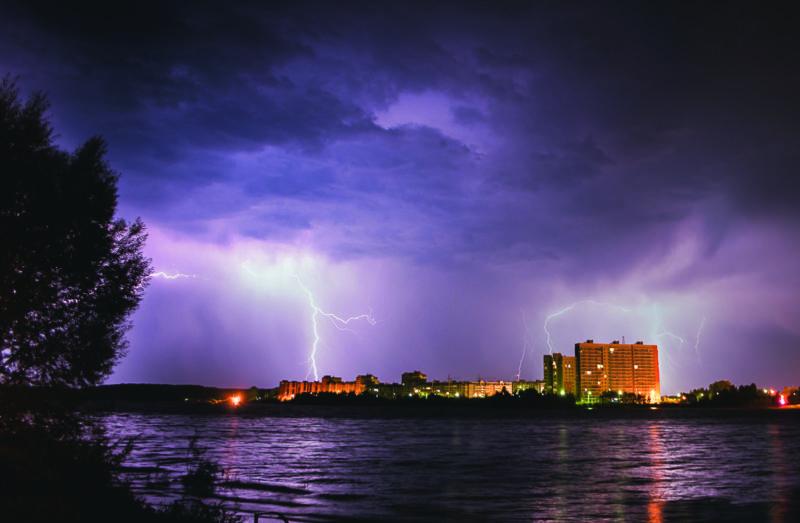 Гром и молния: последствия и предосторожности