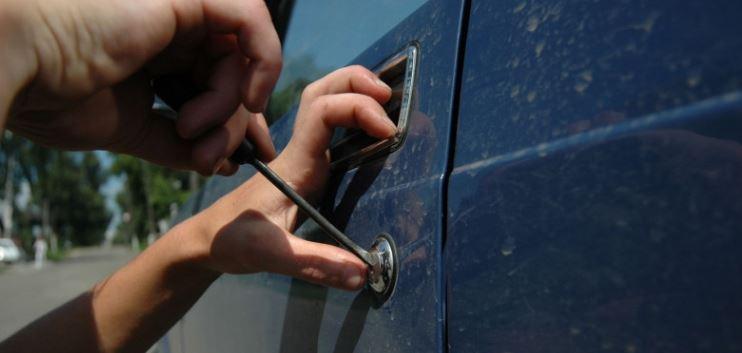 Угнанную в Орехово-Зуеве машину сотрудники полиции вернули владельцу